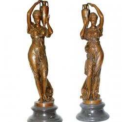 Lot Femmes A La Jarre - Bronze
